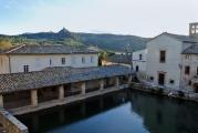 <h5>Vasca di Bagno Vignoni</h5><p>Caterina nella vasca</p>