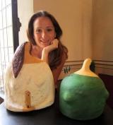 <h5>Ritratto con donne di carta</h5><p>Io e le mie sculture alla mostra Dialoghi 2013</p>