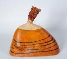 <h5>Donna Ape di Carlotta Parisi</h5><p>Scultura in cartapesta, fil di ferro e canapa</p>