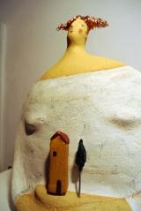 <h5>Donna Val d'Orcia di Carlotta Parisi</h5><p>Scultura di papier-maché dedicata alla Val d'Orcia</p>