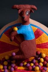 <h5>Rimini, il cagnolino circense di Carlotta Parisi</h5><p>Scultura in cartapesta con palline di terracotta</p>