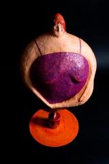 <h5>La Donna Cannone di Carlotta Parisi</h5><p>Scultura di carta su base di ferro, collezione Paper Cirkus</p>
