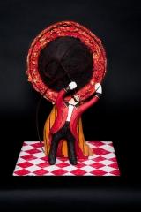 <h5>Il Domatore di Carlotta Parisi</h5><p>Scultura di carta su base di ferro, collezione Paper Cirkus</p>