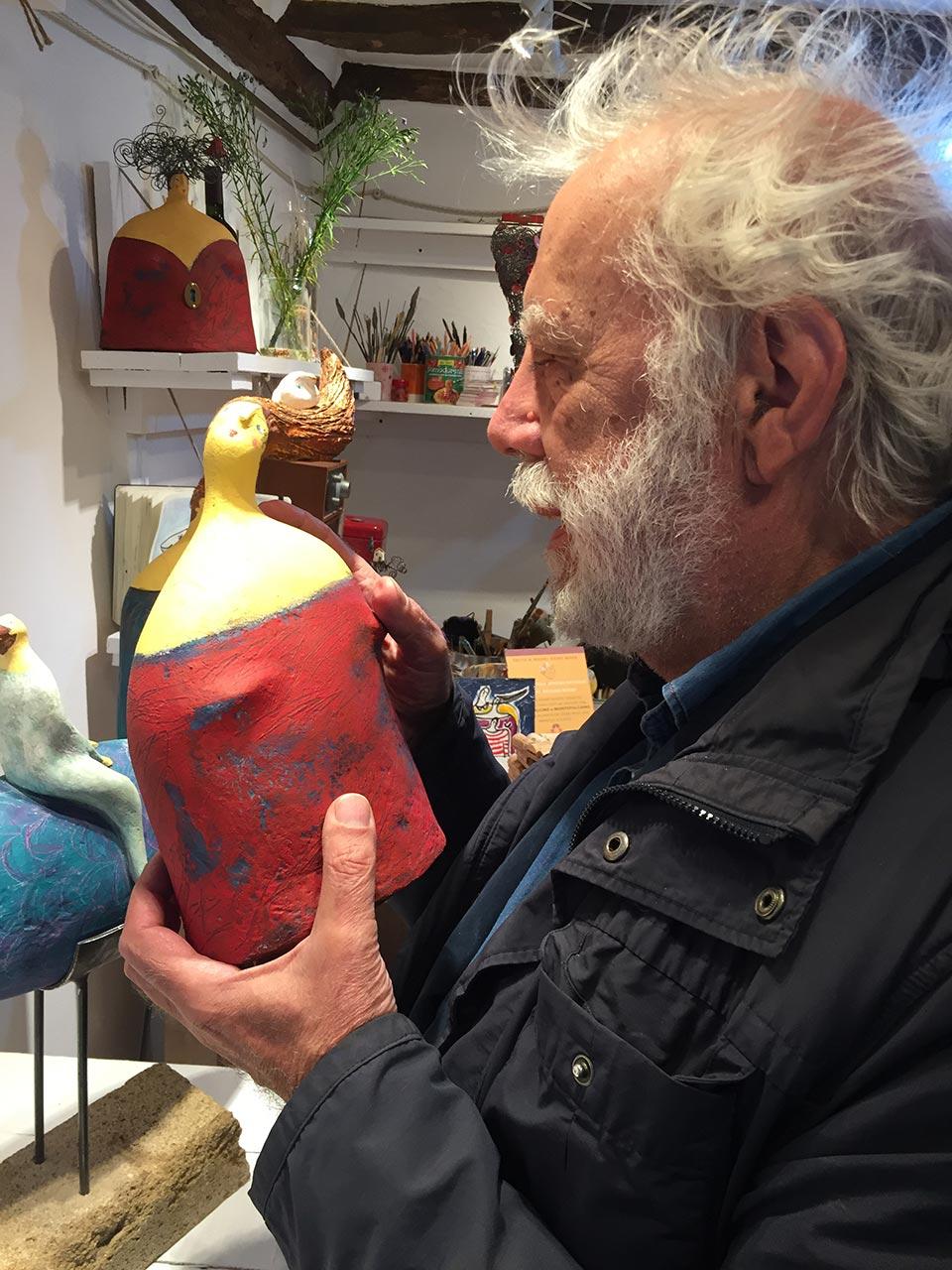 Sergio Staino e le sculture di carta di Carlotta Parisi